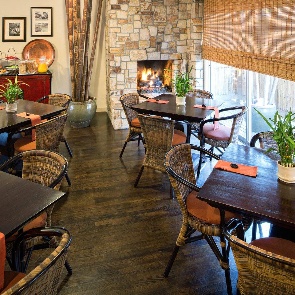 B&B Boutique Dining Drink Eat Lounge restaurant home cottage living room Bar Kitchen
