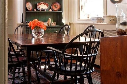B&B Inn chair Kitchen property Dining home cottage hardwood living room farmhouse Bar dining table