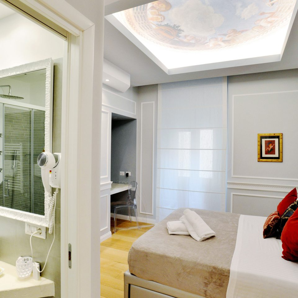 B&B Bath Bedroom City bathroom mirror property sink home living room Suite cottage tan