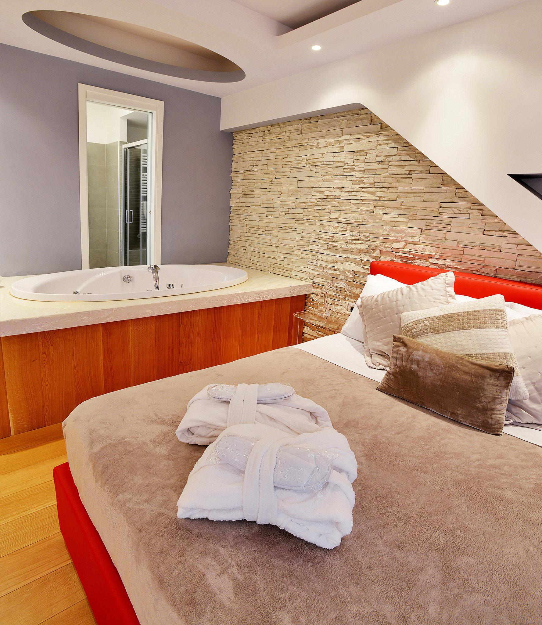 B&B Bath Bedroom City property Suite flooring cottage bed sheet