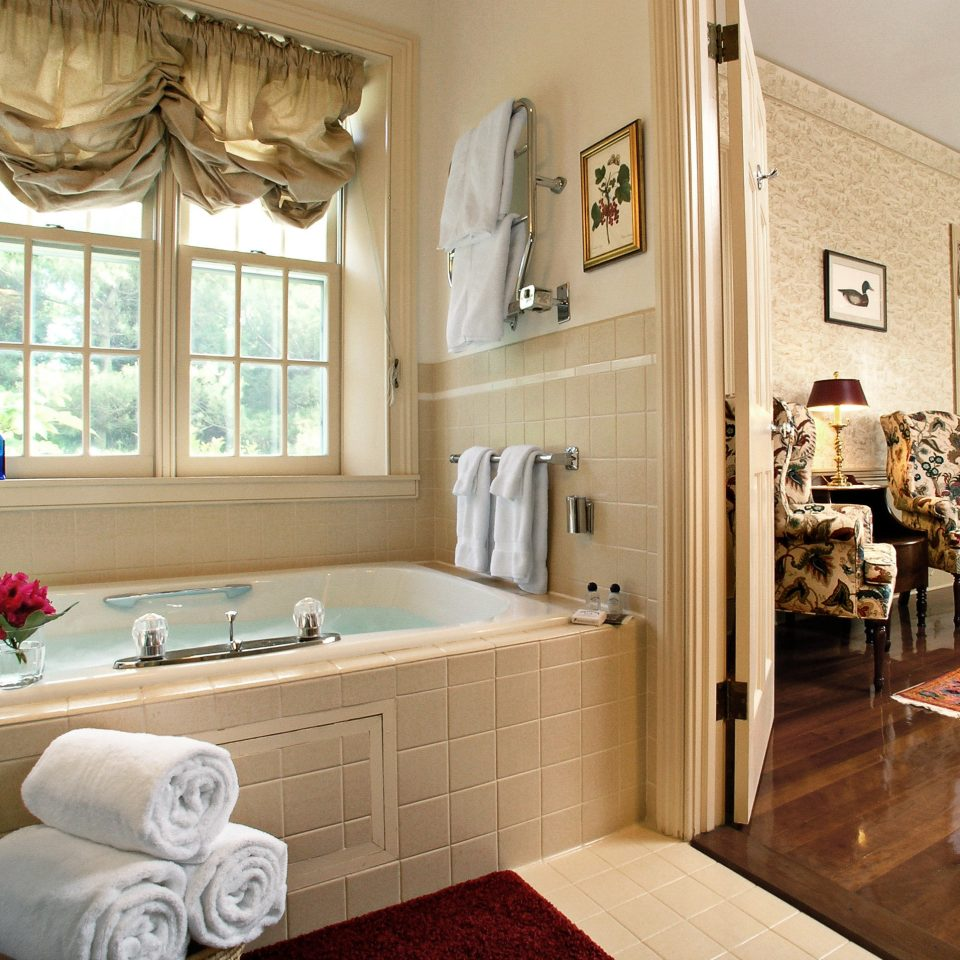 B&B Bath Classic Country Inn Romance Romantic property home living room hardwood cottage flooring cabinetry farmhouse wood flooring