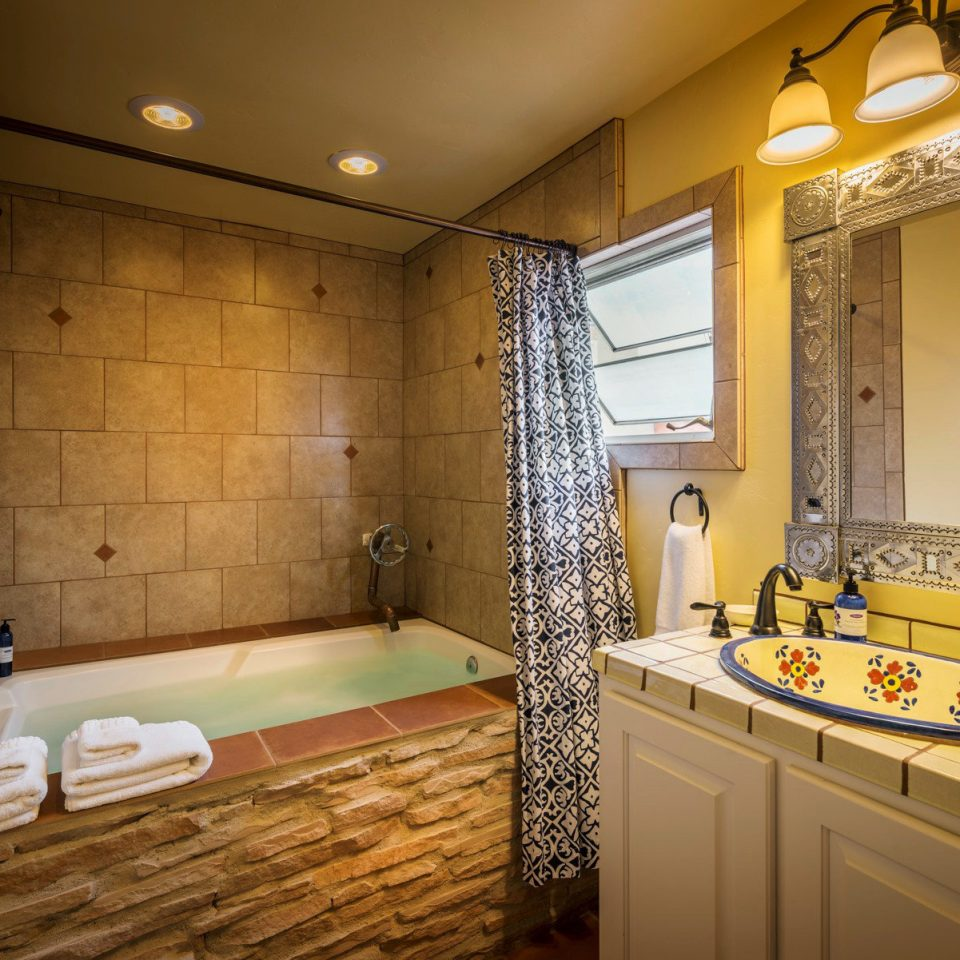 B&B Bath Country Lodge Romance Romantic Wellness bathroom property sink home cottage Suite tile tiled