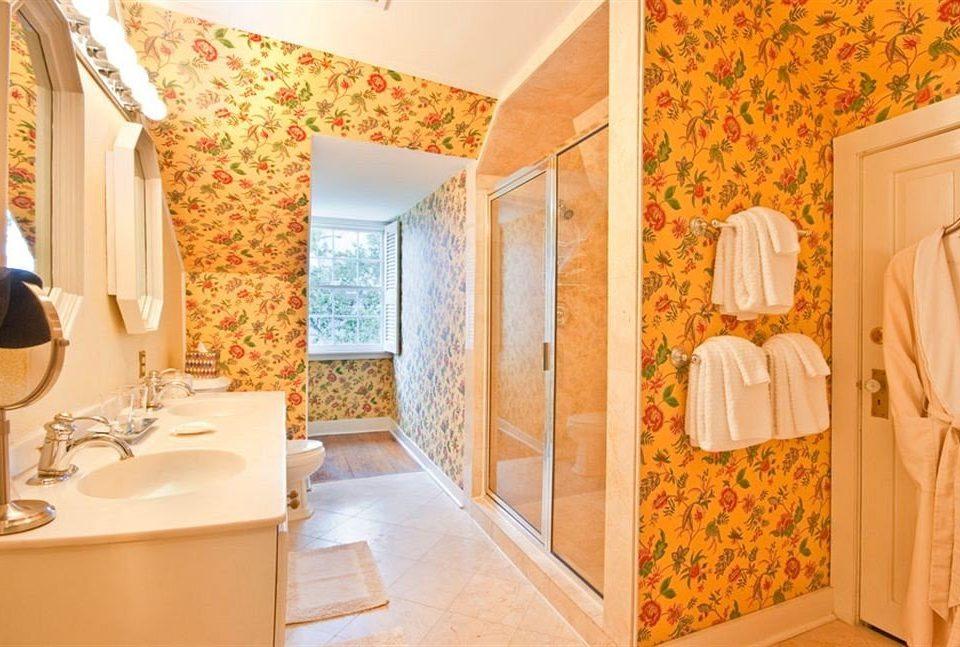 B&B Bath Historic bathroom Suite cottage home