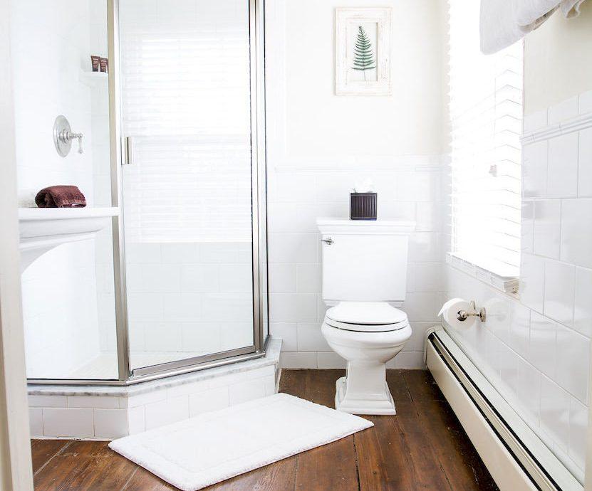 B&B Bath Inn bathroom property white plumbing fixture bathtub flooring Suite