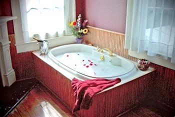 B&B Bath bathroom swimming pool jacuzzi bathtub sink Suite tub tile tiled