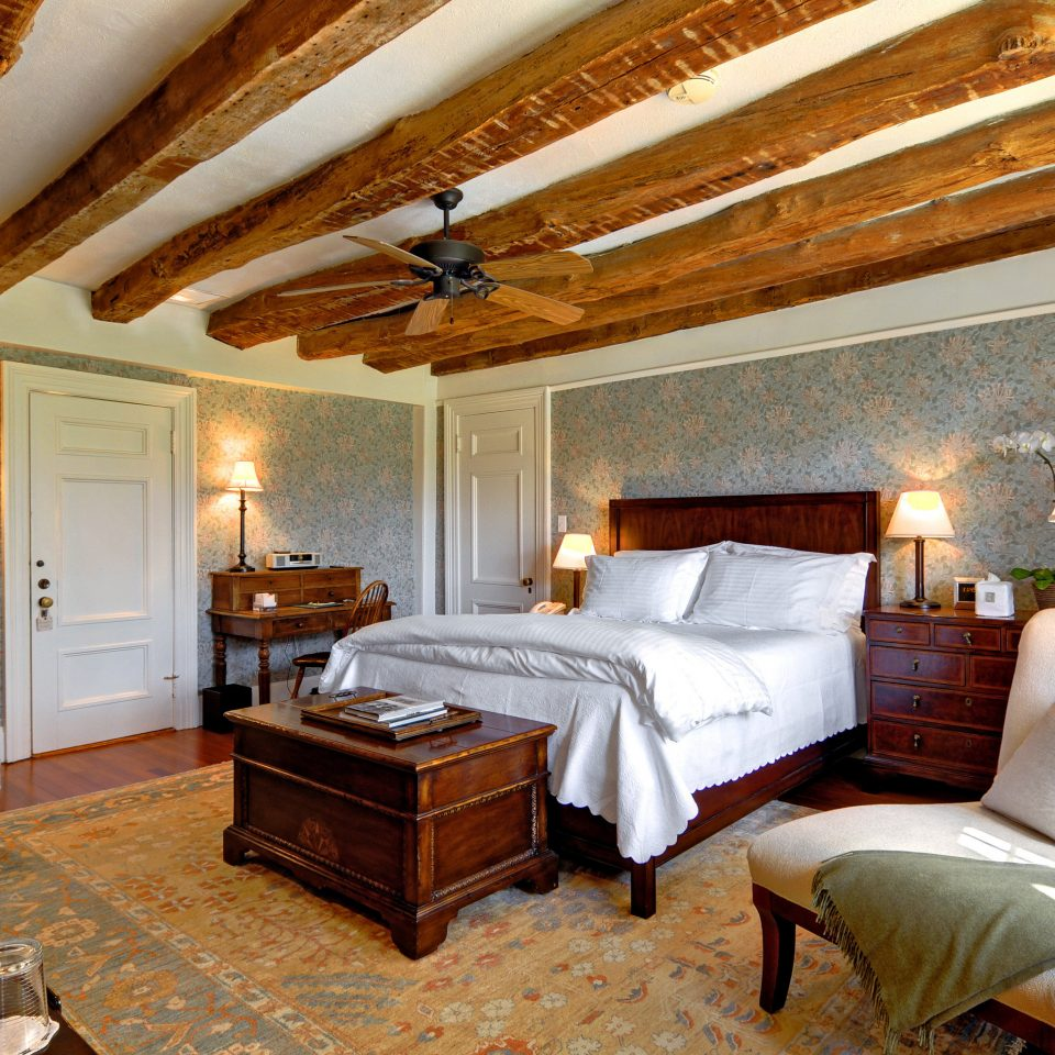 B&B Beach Bedroom Elegant Historic Inn Romantic South Fork The Hamptons Wellness property cottage living room Suite home Villa farmhouse
