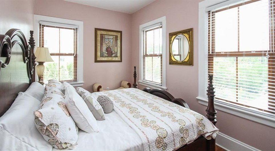 B&B Bedroom property cottage home bed sheet