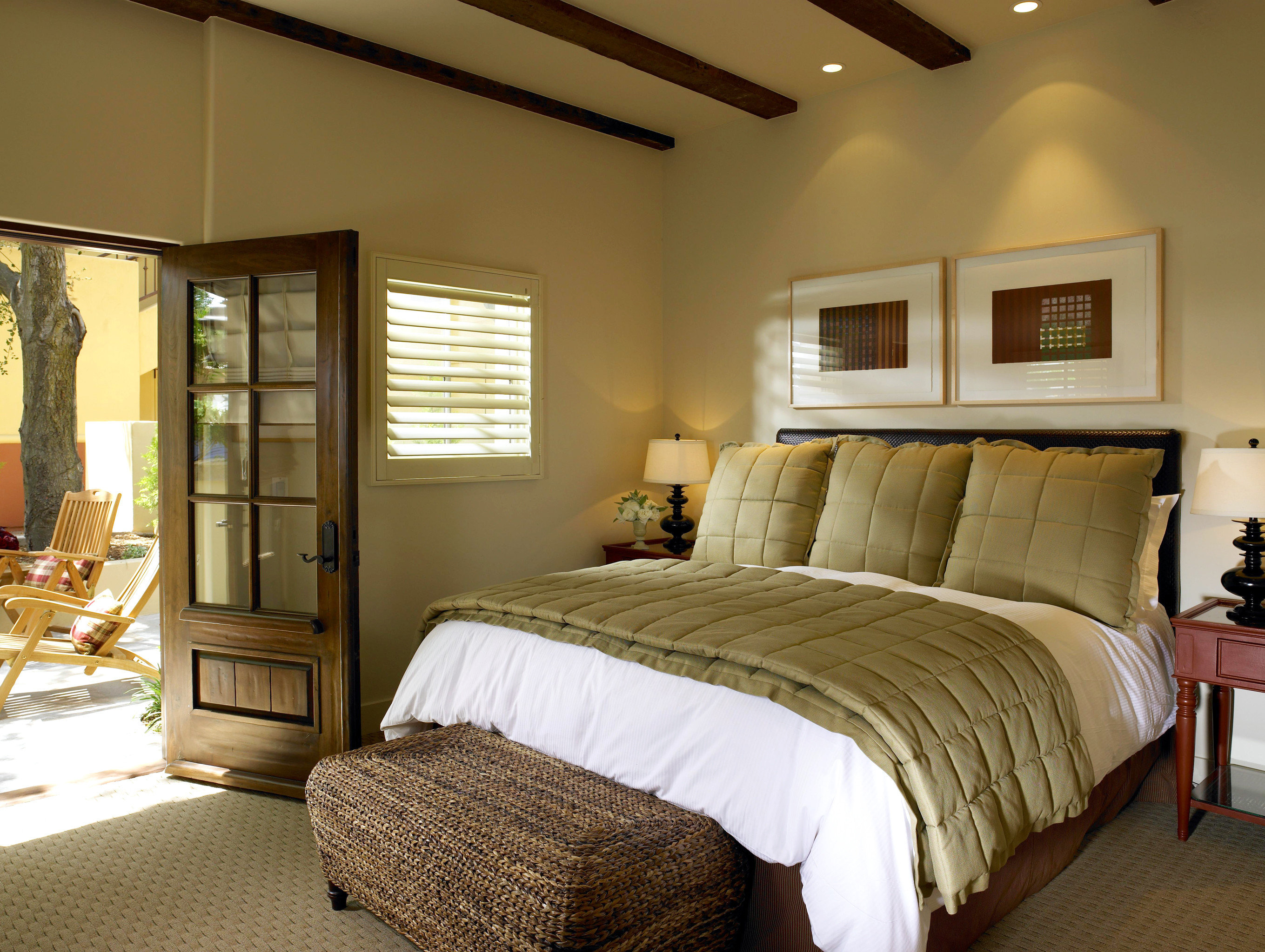 B&B Bedroom Boutique Inn property scene home hardwood cottage living room Suite bed sheet farmhouse bed frame containing