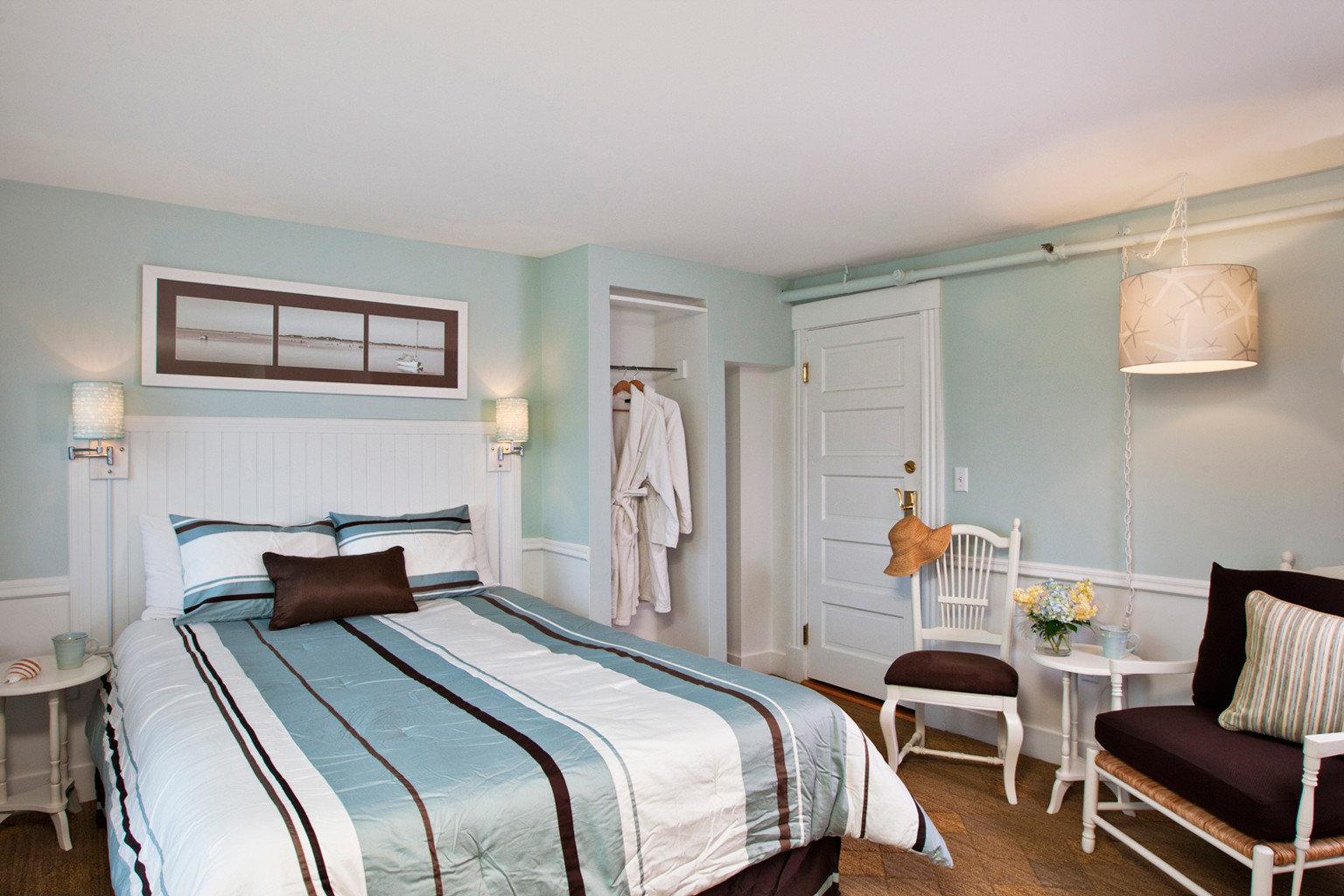 B&B Bedroom Boutique Waterfront property cottage home Suite farmhouse