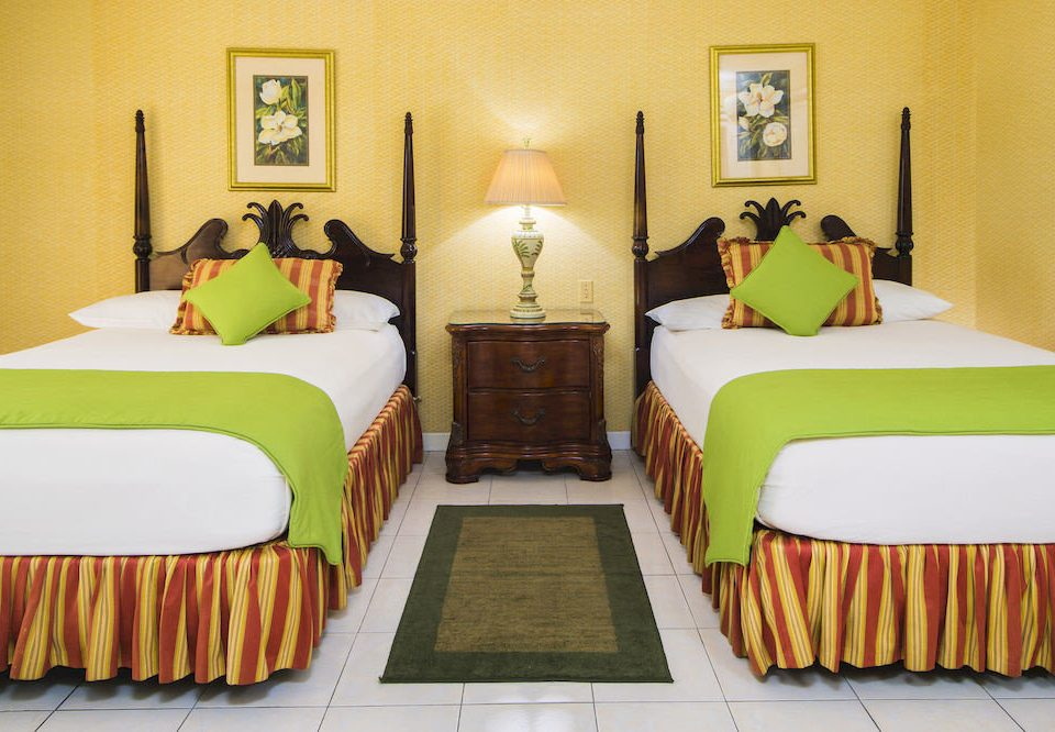 B&B Bedroom Budget Sea sofa green property pillow Suite cottage yellow bed sheet colorful