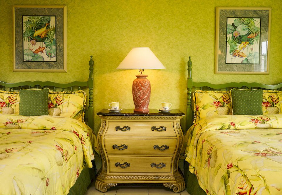 B&B Bedroom Budget Sea bed sheet green pillow cottage textile living room lamp bedclothes painting