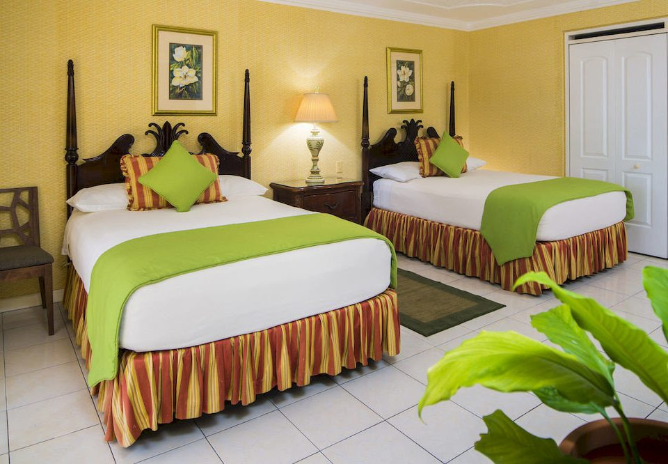 B&B Bedroom Budget Sea property green Suite cottage bed sheet Villa colorful flat