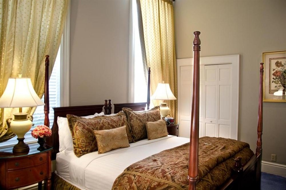 B&B Bedroom City Historic sofa property curtain cottage home Suite hardwood living room containing
