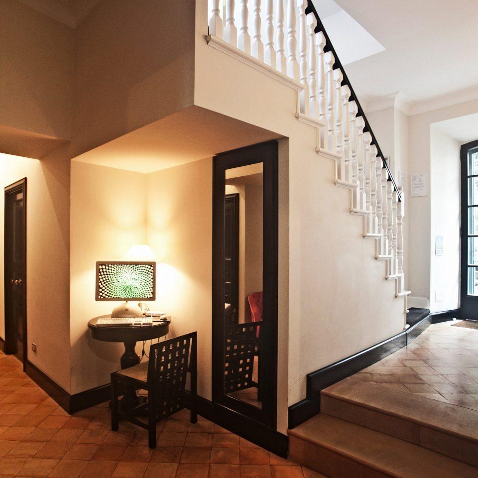B&B City Historic Lobby property living room house home loft Suite hall cottage Bedroom condominium Modern