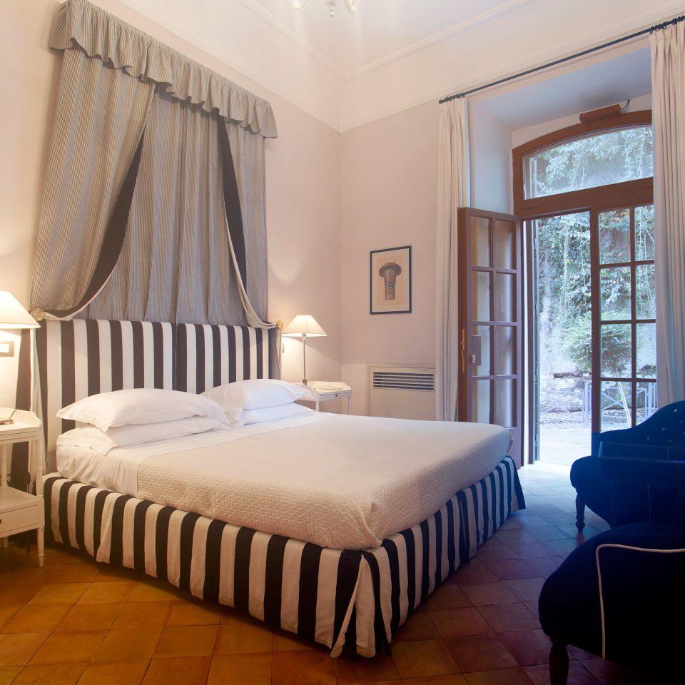 B&B Bedroom City Historic property Suite cottage Villa