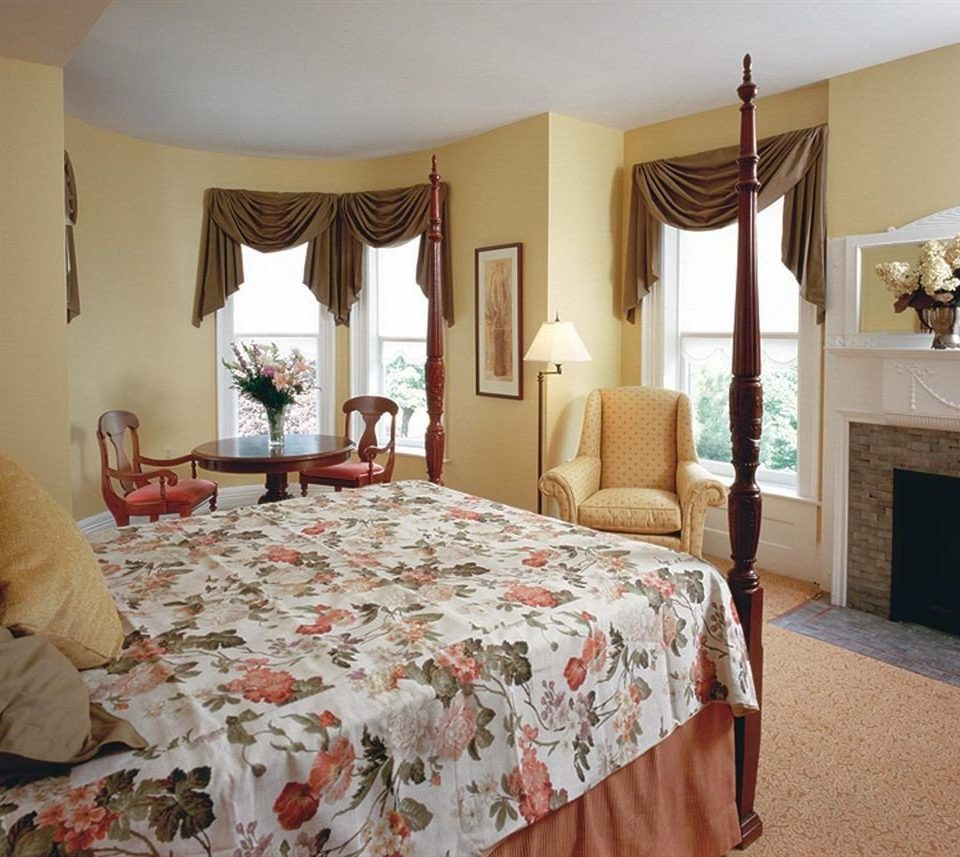 B&B Bedroom City Romantic property Suite cottage bed sheet textile