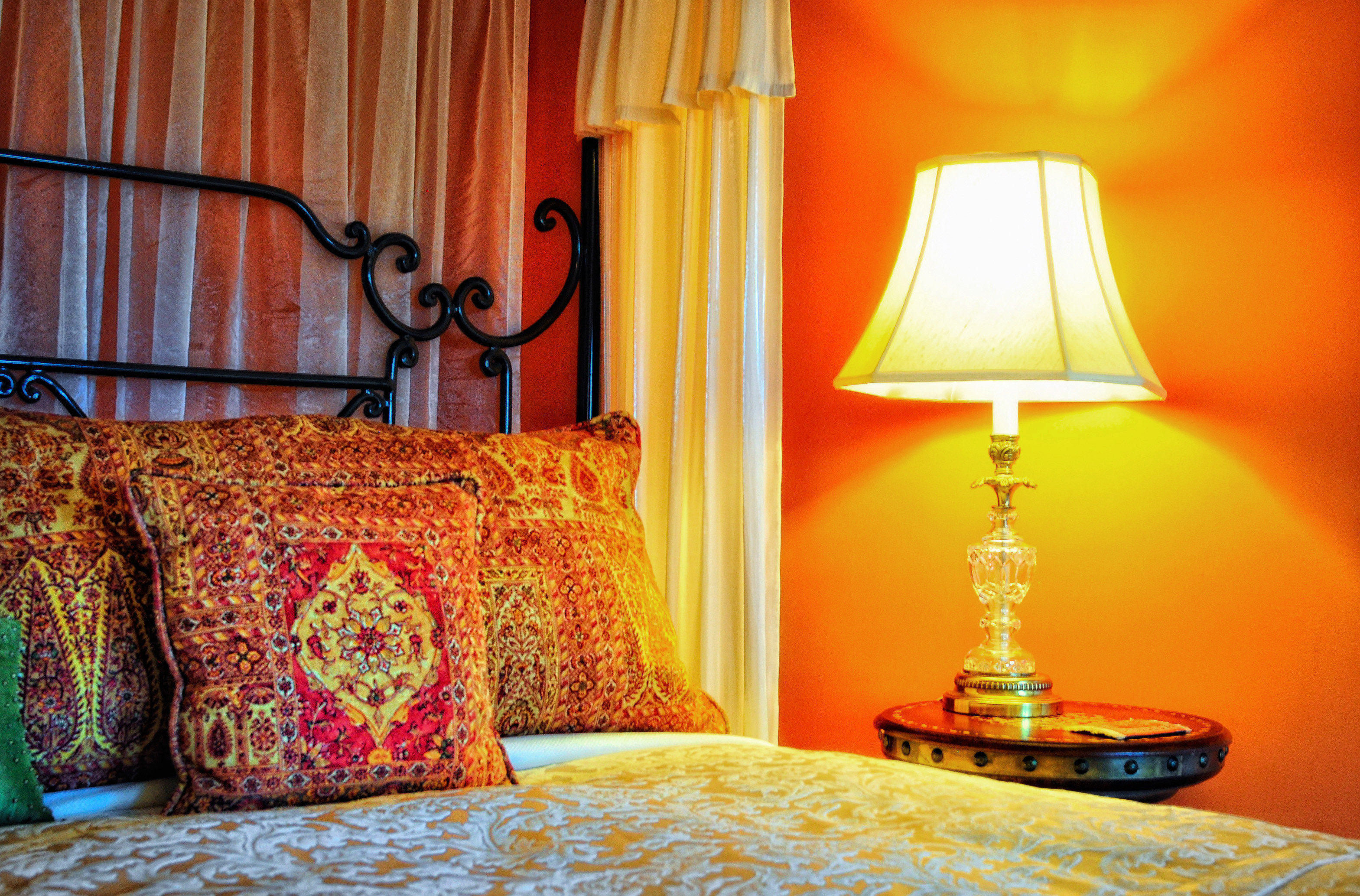 B&B Bedroom Classic Historic color yellow lighting bed sheet lamp orange textile