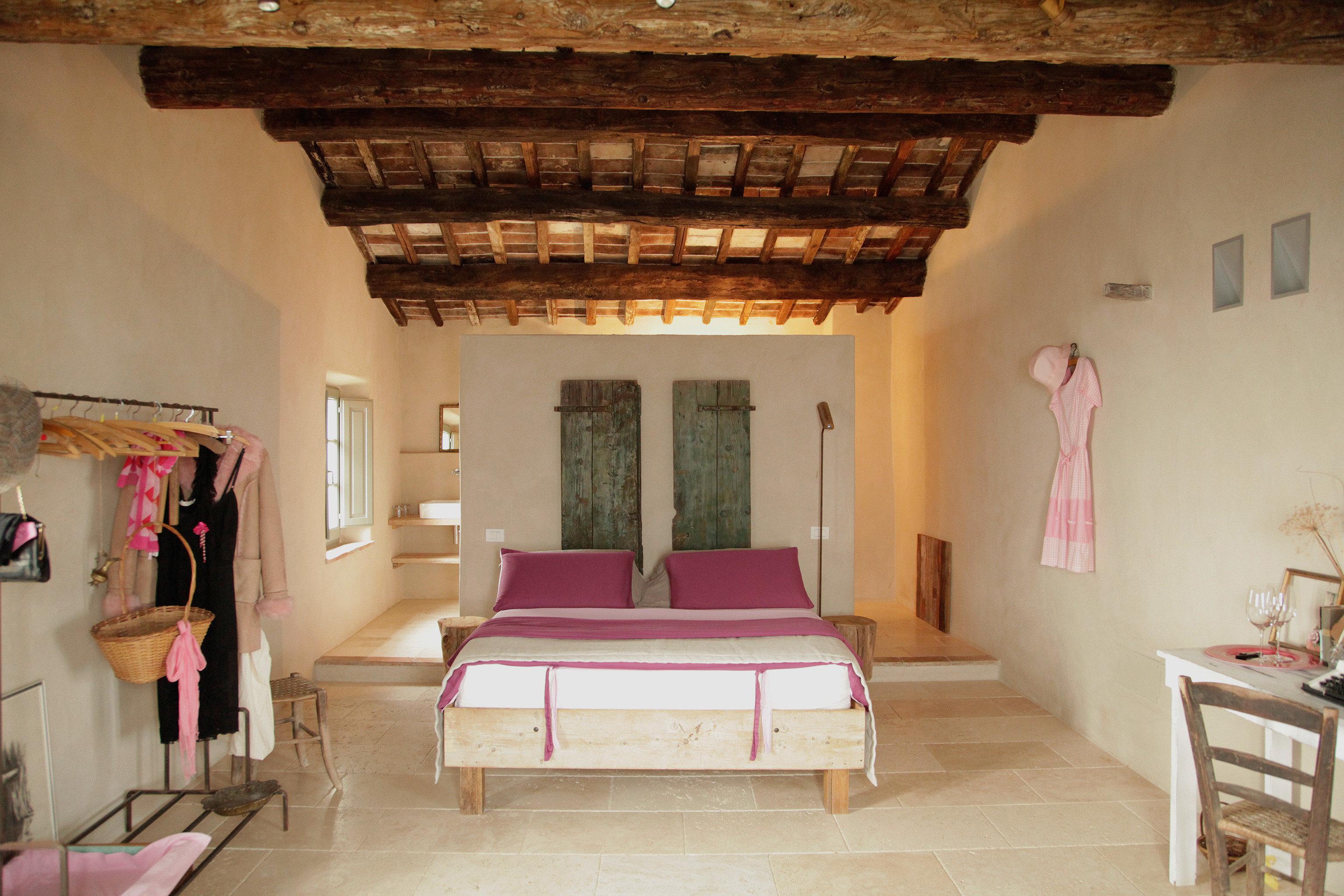 B&B Bedroom Country Elegant Luxury Romantic Suite property living room Villa cottage farmhouse mansion hacienda