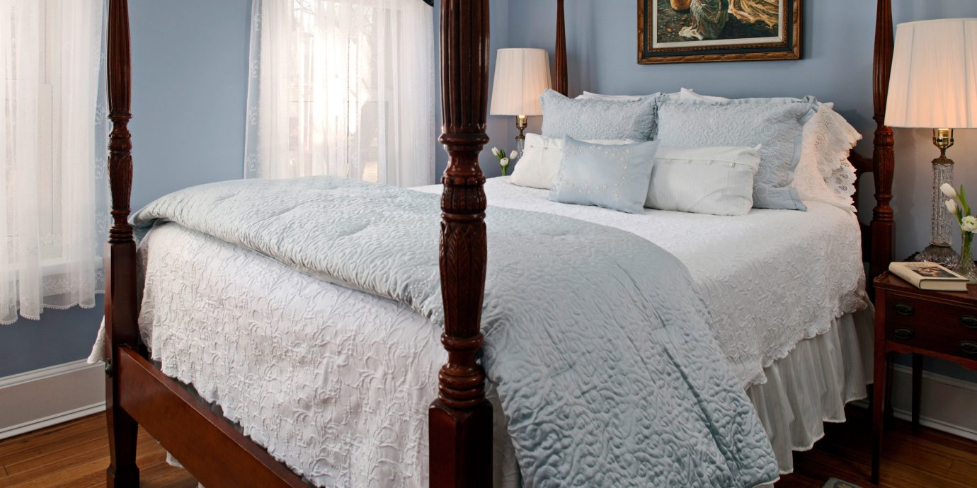 B&B Bedroom Country Historic property Suite cottage home bed sheet four poster bed frame pillow lamp