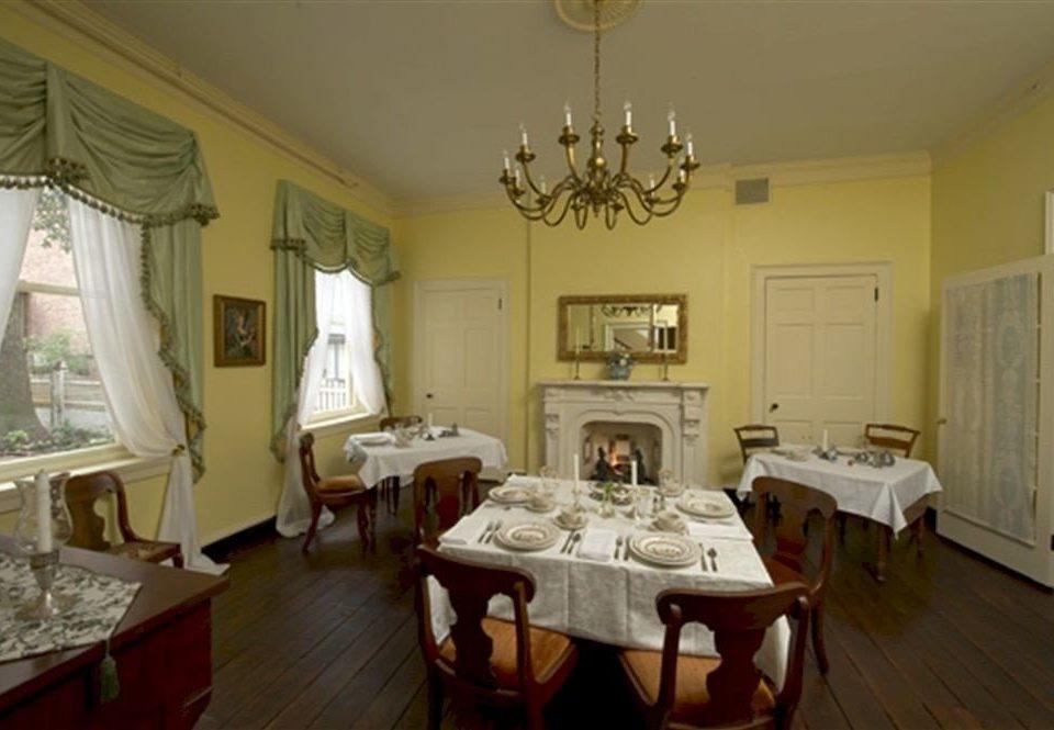 B&B Dining Historic property cottage home living room Suite Villa mansion Bedroom