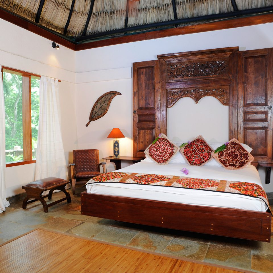 B&B Bedroom Eco Lodge Romantic Tropical property house home living room hardwood white cottage Villa mansion hard