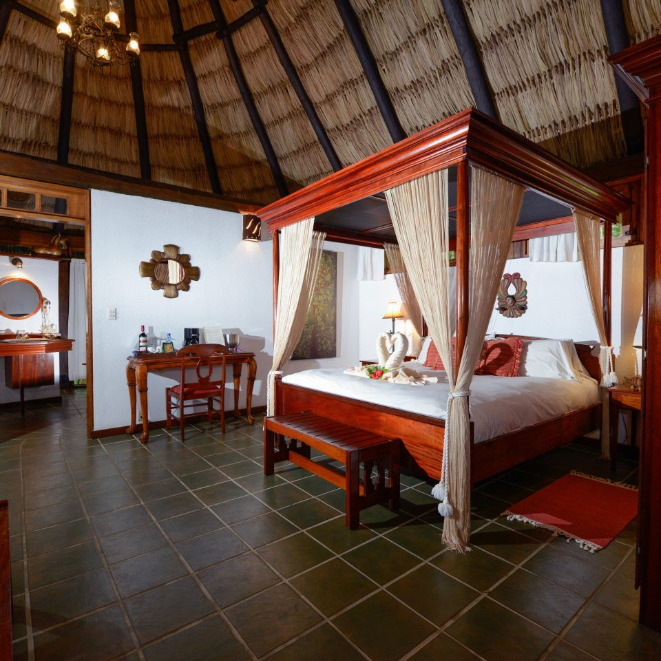 B&B Bedroom Eco Lodge Romantic Tropical property building house cottage home Resort Villa