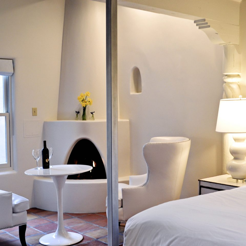 B&B Bedroom Fireplace Rustic property Suite lighting living room condominium