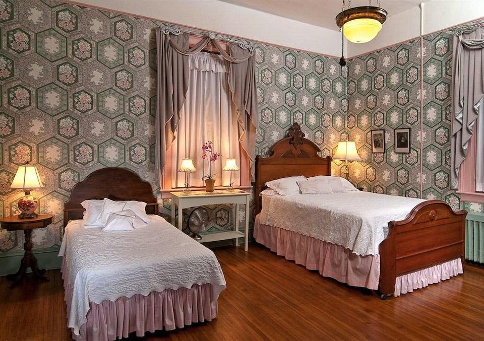 B&B Bedroom Historic property curtain Suite cottage living room mansion bed sheet