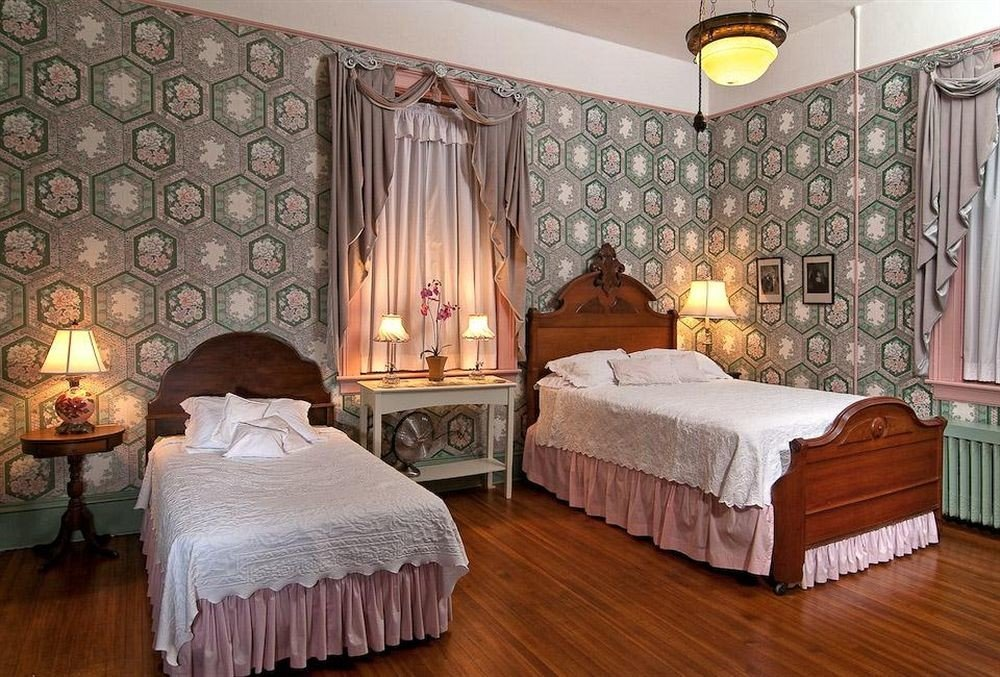 B&B Bedroom Historic property curtain Suite cottage living room mansion bed sheet