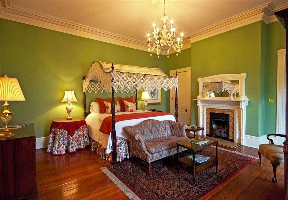 B&B Bedroom Historic property living room home hardwood cottage Suite Villa farmhouse