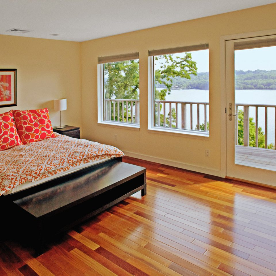 B&B Bedroom Inn Outdoor Activities Scenic views Waterfront Wellness property hardwood wooden home wood flooring living room cottage hard flooring laminate flooring flat