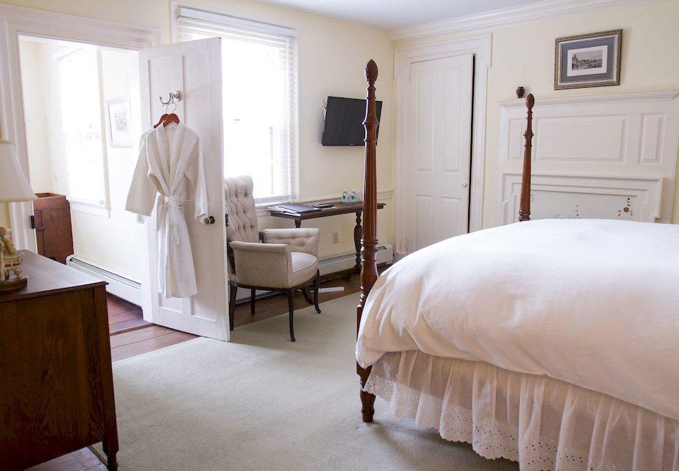 B&B Bedroom Inn property cottage Suite home