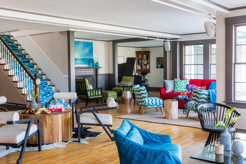B&B Boutique Budget Hip Lounge property living room condominium home