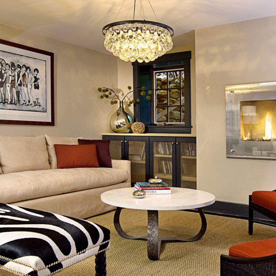 B&B Boutique Fireplace Inn Lounge living room property home hardwood condominium Suite cottage Villa