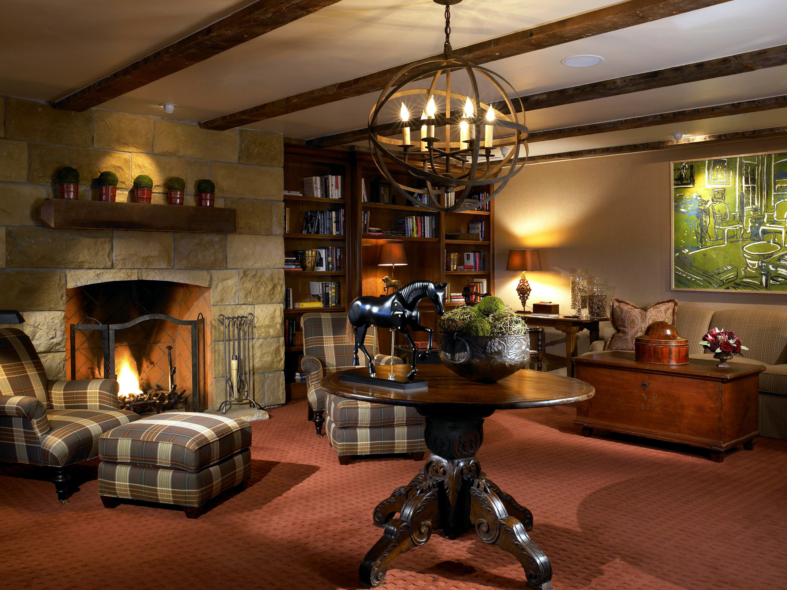 B&B Boutique Fireplace Inn Lounge property living room home lighting recreation room Lobby mansion
