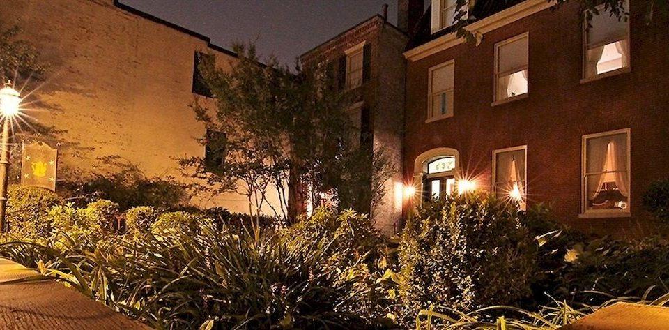 B&B Exterior Historic yellow christmas decoration night landscape lighting lighting home evening Christmas Courtyard house bright