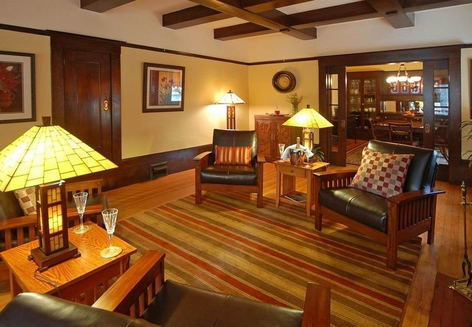 B&B City Lobby Lounge property recreation room Resort billiard room cottage Villa Suite mansion Dining