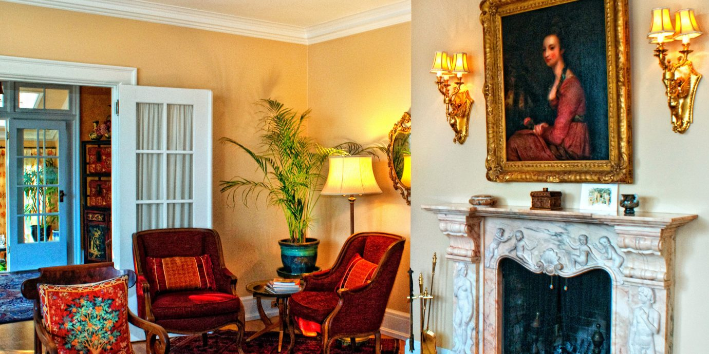 B&B Classic Fireplace Historic Lobby Lounge fire living room property home mansion Suite cottage stone