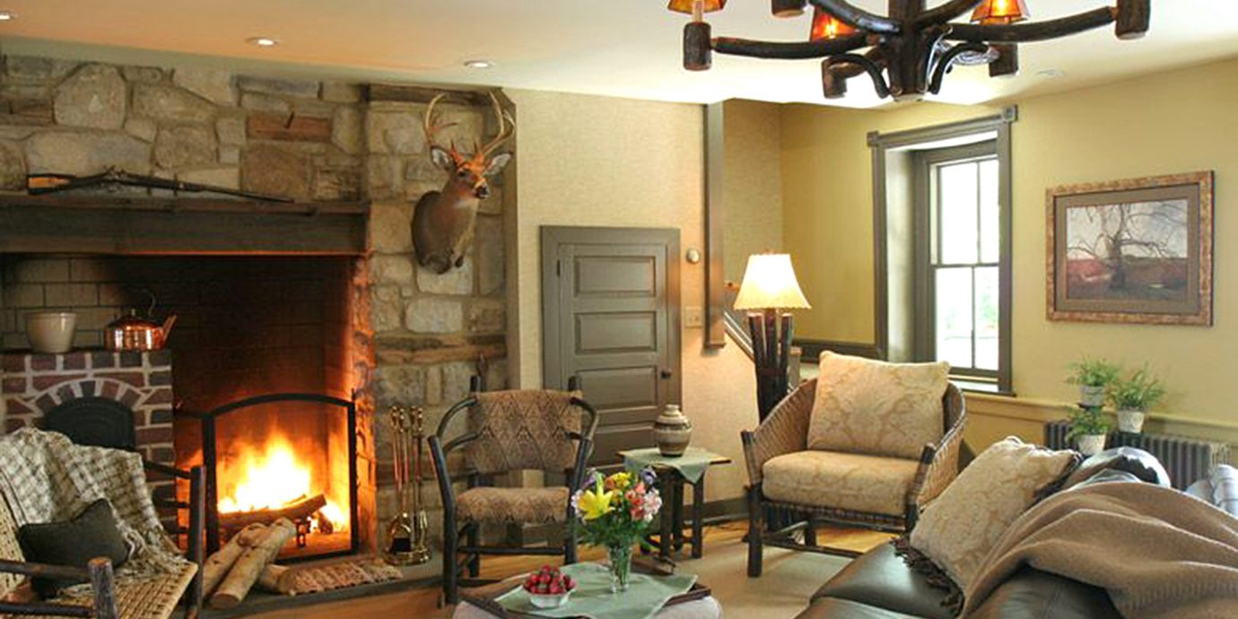 B&B Country Fireplace Historic Lounge living room property home cottage farmhouse hearth leather