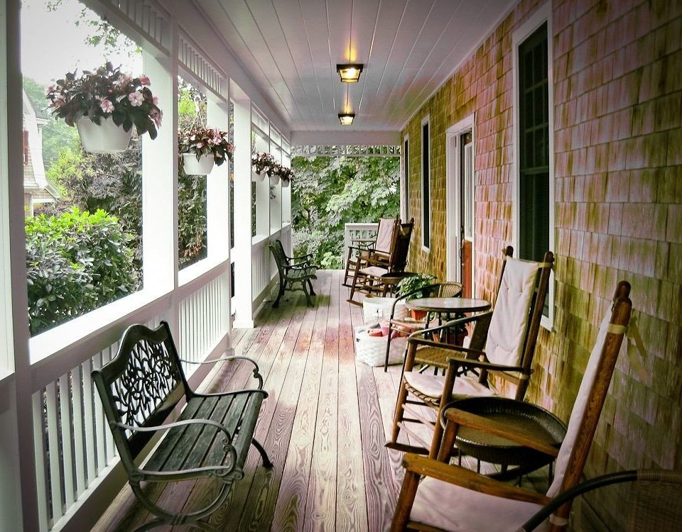 B&B Deck Romantic chair property building house home cottage porch Dining mansion living room farmhouse Villa condominium