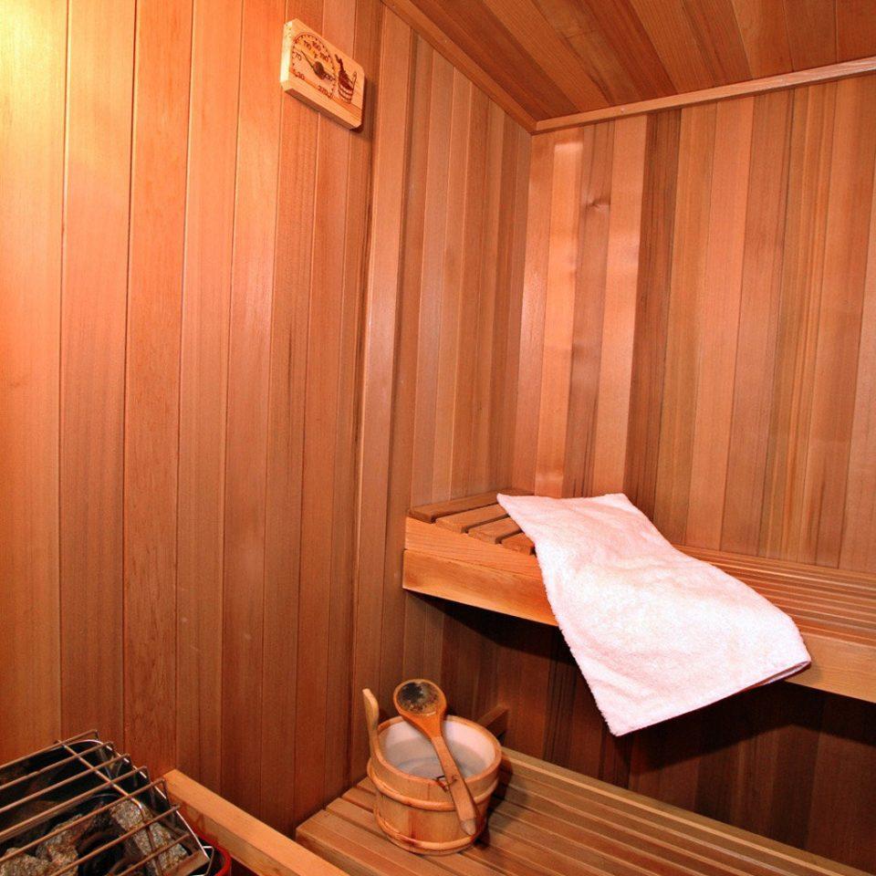 B&B Fitness Ocean wooden cottage Suite bathroom