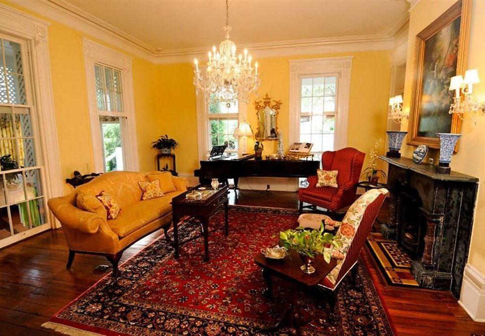 B&B Historic Lounge living room property home hardwood mansion cottage Suite Villa rug