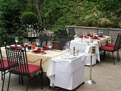 tree chair restaurant banquet backyard set