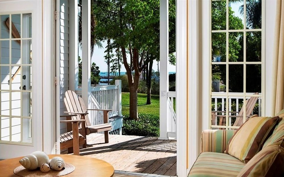 building property porch home living room cottage outdoor structure condominium backyard