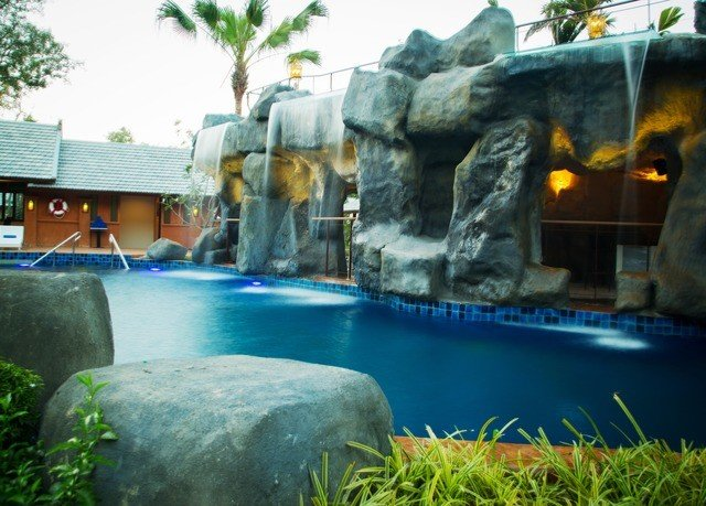 swimming pool backyard pond water feature
