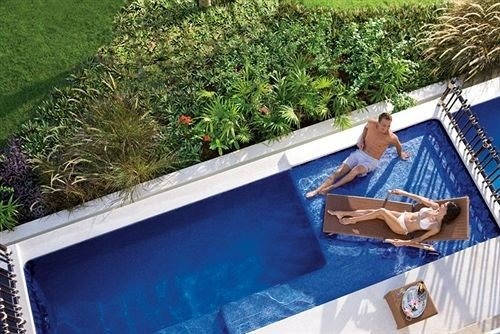 swimming pool backyard
