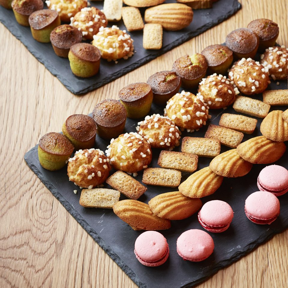 food wooden board snack dessert baked goods petit four finger food cookie cookies and crackers baking biscuit sweet pastry choux pastry flavor lined