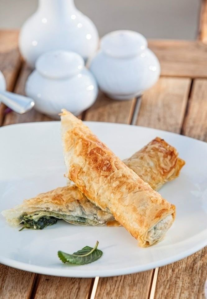 plate food breakfast egg roll dessert cuisine baked goods slice pastry chinese food baking