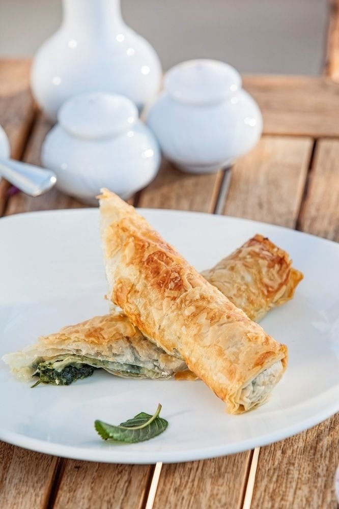 plate food breakfast egg roll dessert cuisine baked goods slice pastry chinese food baking
