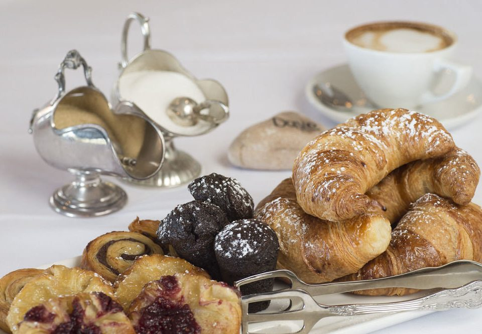 food plate dessert baked goods breakfast pastry baking cuisine snack food danish pastry containing